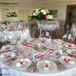 Composition florale by Art floral Anne décoration par nos soins, menu et porte nom par notre mariée Emilie
